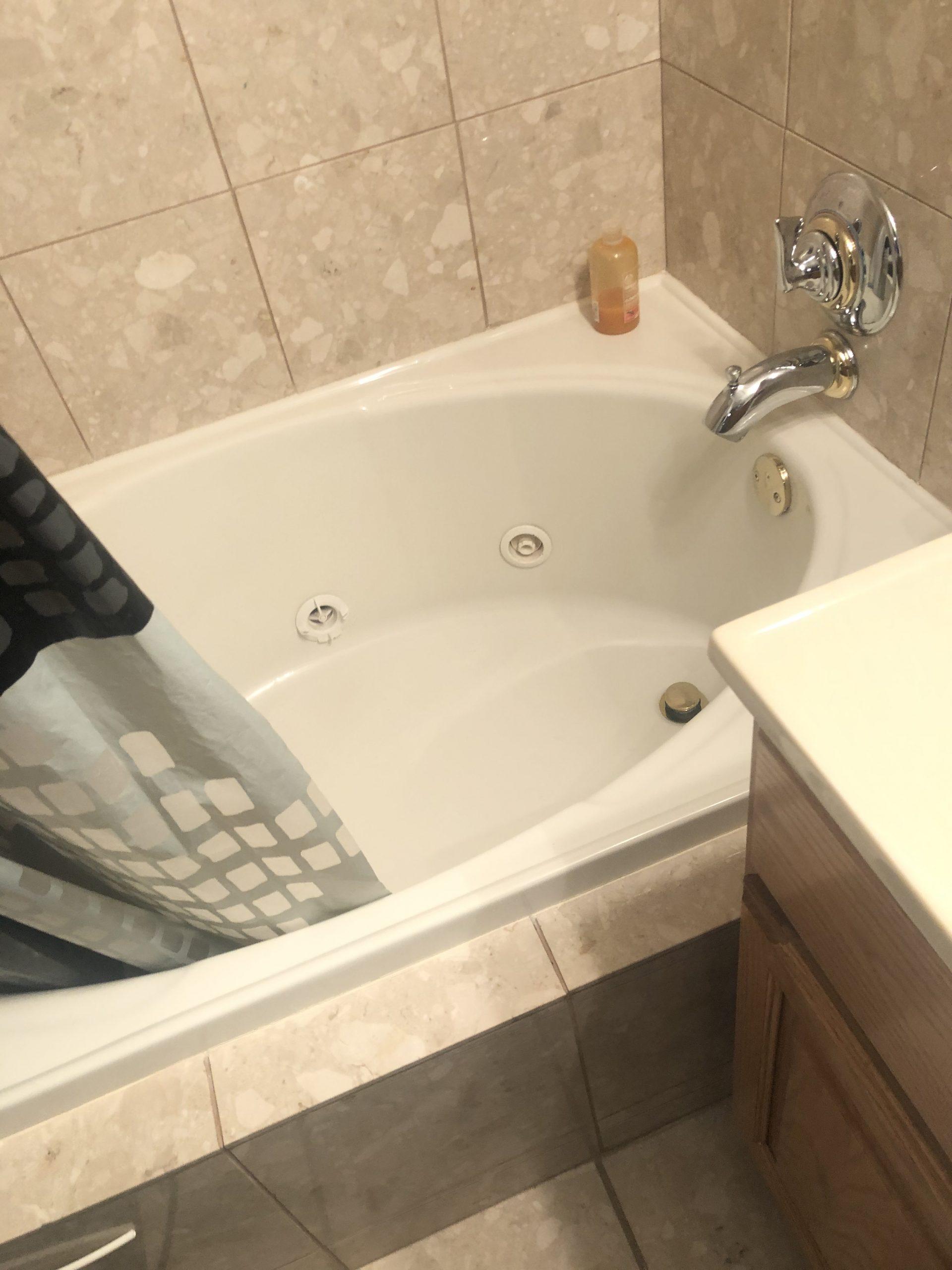 Before | Riverwoods, IL Bathroom Remodel
